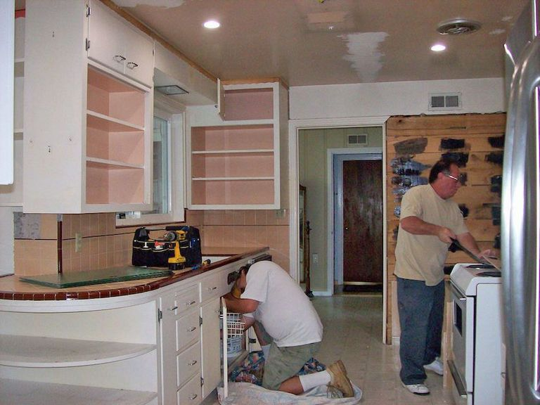 Yorklyn Construction How To Remodel A Kitchen In The Right Order - Bathroom remodel order